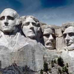 mount_rushmore_national_memorial_moru2006